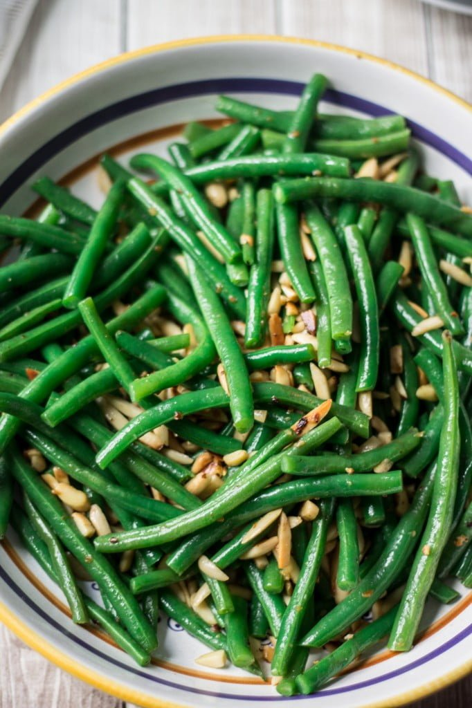 Green Beans with Garlic and Almonds | www.oliviascuisine.com