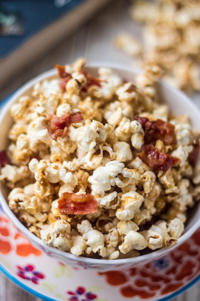 Maple Bacon Popcorn | www.oliviascuisine.com