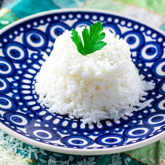 How to Cook Rice (the Brazilian way!) | www.oliviascuisine.com
