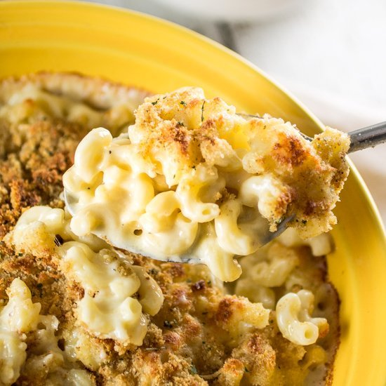 Gruyère and White Cheddar Mac & Cheese | www.oliviascuisine.com