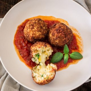 Arancini di Riso with Balsamic Vinegar and Caramelized Onions Marinara Sauce
