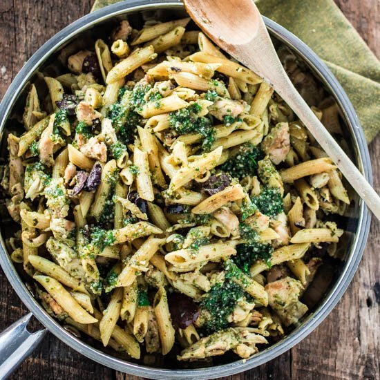 One Pan Pasta With Chicken Pesto And Olives