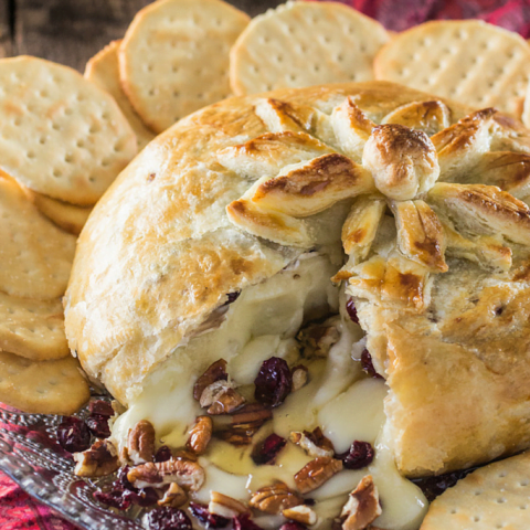 Baked Brie en Croute (with honey, cranberries and pecans)