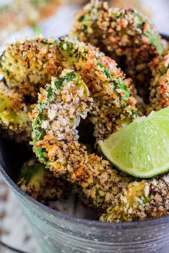 Avocado Fries | www.oliviascuisine.com | Looking for new ways to explore the deliciousness of avocados? Try these crunchy and creamy avocado fries! A great and healthy snack for all times. GuacIt AD