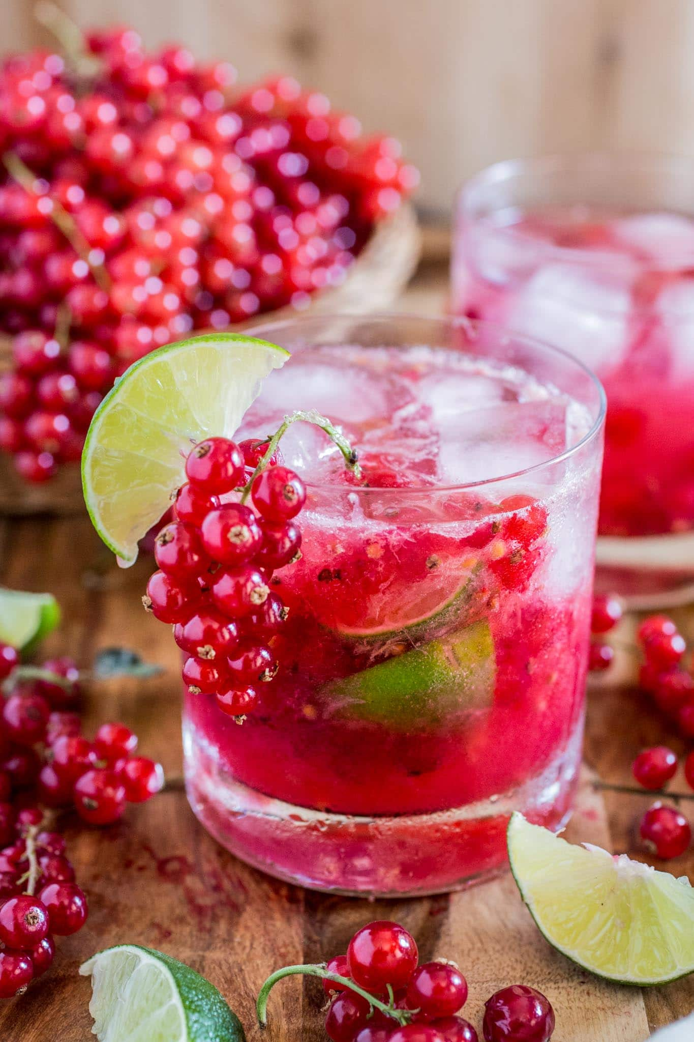 red-currant-caipirinha-caipiroska