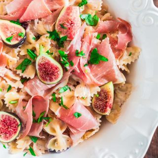 Farfalle with Fresh Figs and Prosciutto