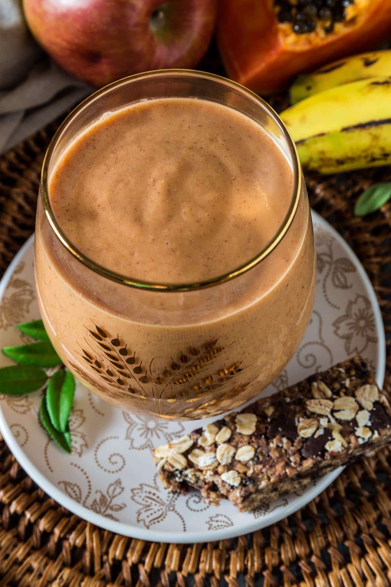 Holiday Detox Smoothie | www.oliviascuisine.com | Who said a detox smoothie has to taste awful? This delicious version is packed with nutrients and tastes like tropical paradise!