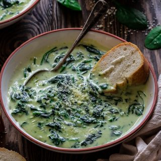 short image of cream of spinach soup