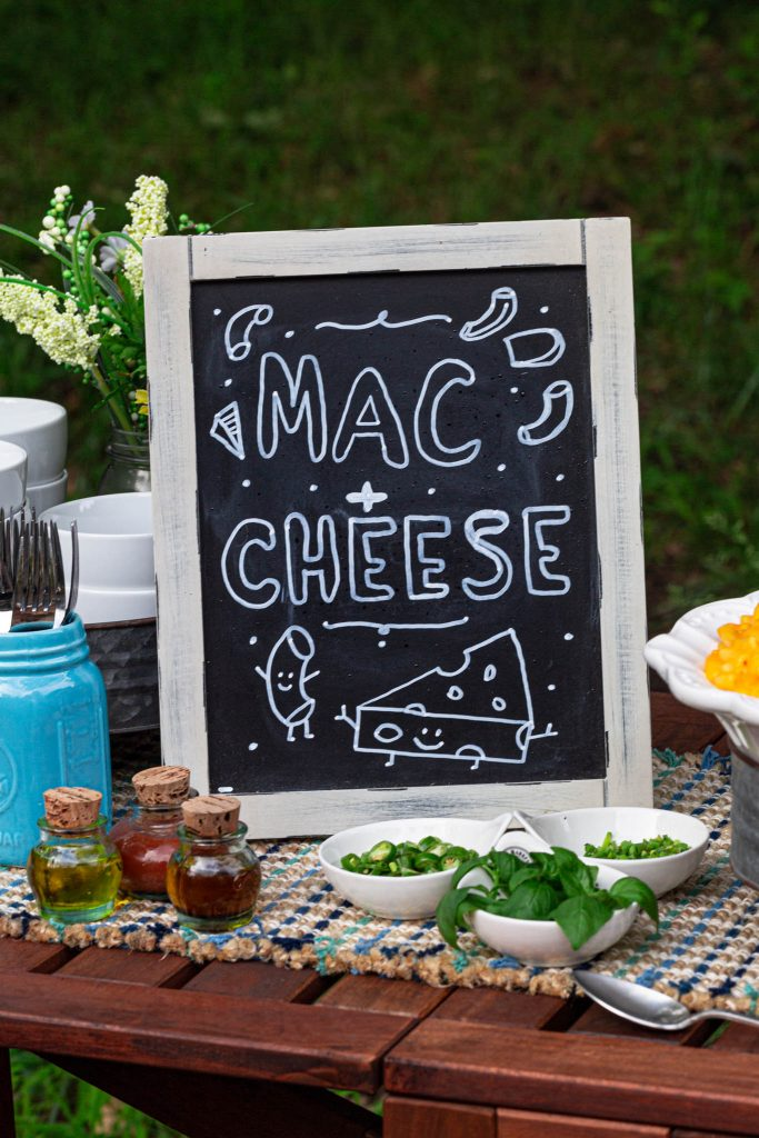 macaroni and cheese bar sign