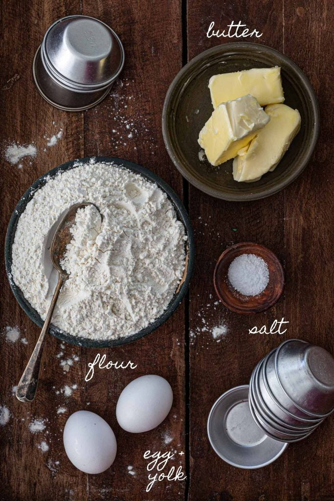 Ingredients to make crumbly pie dough
