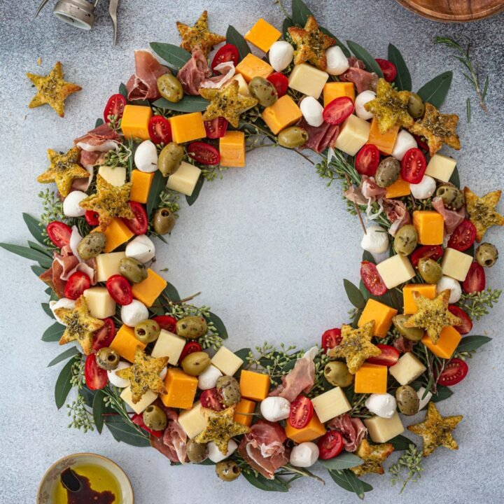 Christmas Wreath Cheeseboard