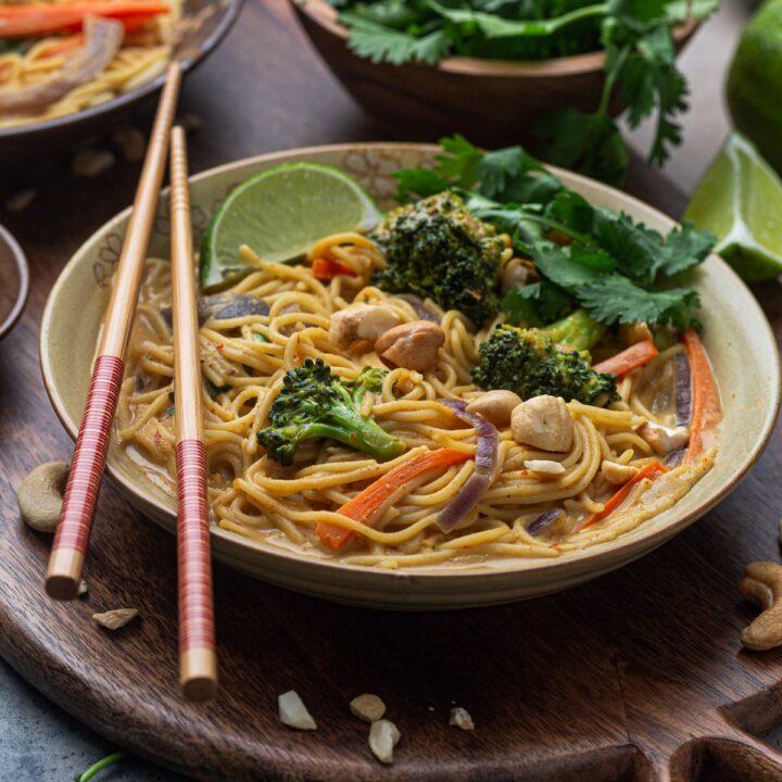 Cashew Coconut Curry Noodles