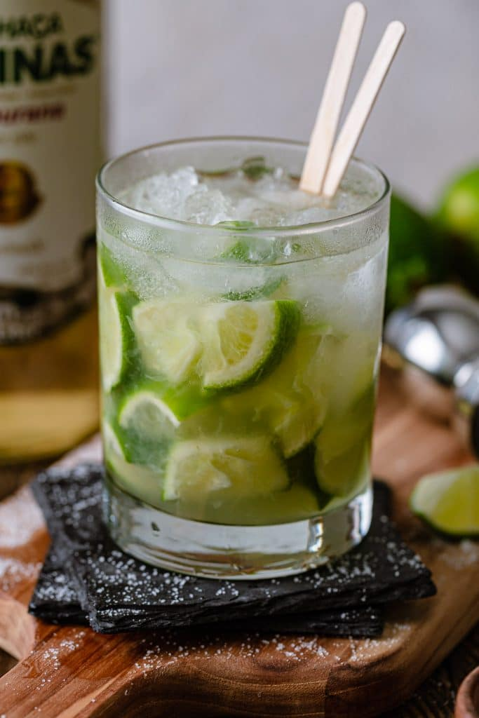 A close up shot of the caipirinha.
