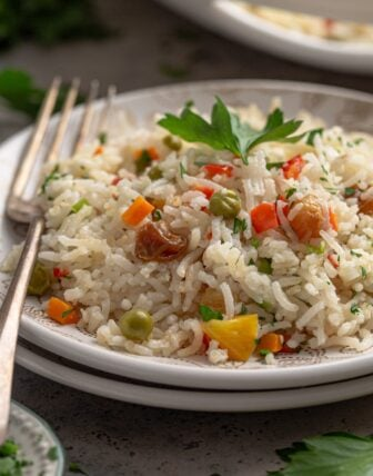 Arroz a Grega (Brazilian Greek Rice Pilaf)